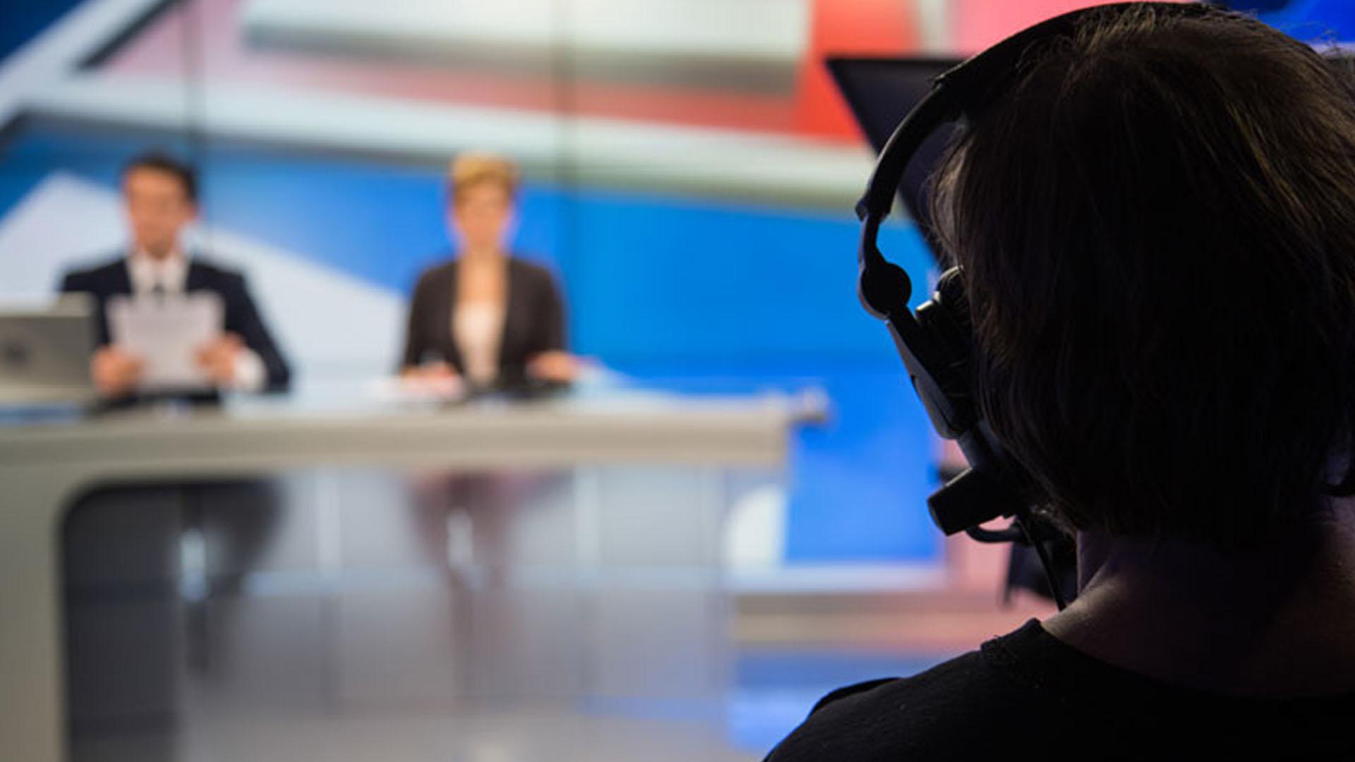 La noticia ha despertado la alarma por las implicaciones que el presentador virtual pueda tener en el futuro (Foto: @simonkr)