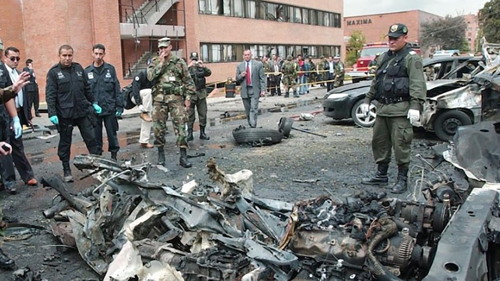 El carro comba con 80 kilos de explosivo de pentolita dejó 21 muertos, entre ellos el terrorista que ingresó el vehículo a la escuela policial, y 68 heridos.